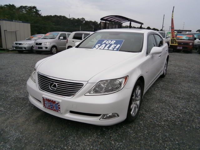 激安車 LS460 レクサス 19年式 車検28年4月 福島県相馬市のサムネイル