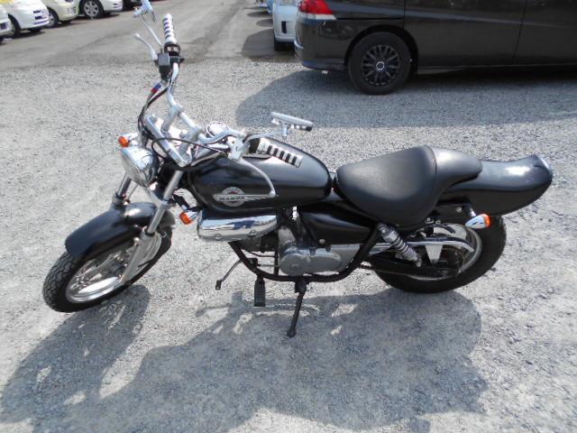 バイクショップピース 原付 50㏄ 希少車 ホンダ・マグナ50 2サイクル カブ スクーター 実働 走行6.500Km 福島県相馬市発‼ 安い‼すぐ乗れます♪早い者勝ち‼ 消費税込み支払総額¥162.000 ※年式不明のサムネイル