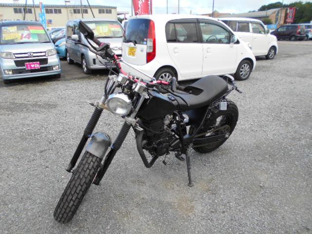 バイクショップピース 中型 200㏄ ヤマハ・TW200 実働 走行3.000Km 福島県相馬市発‼ 消費税込み支払総額¥176.000 年式不明のサムネイル